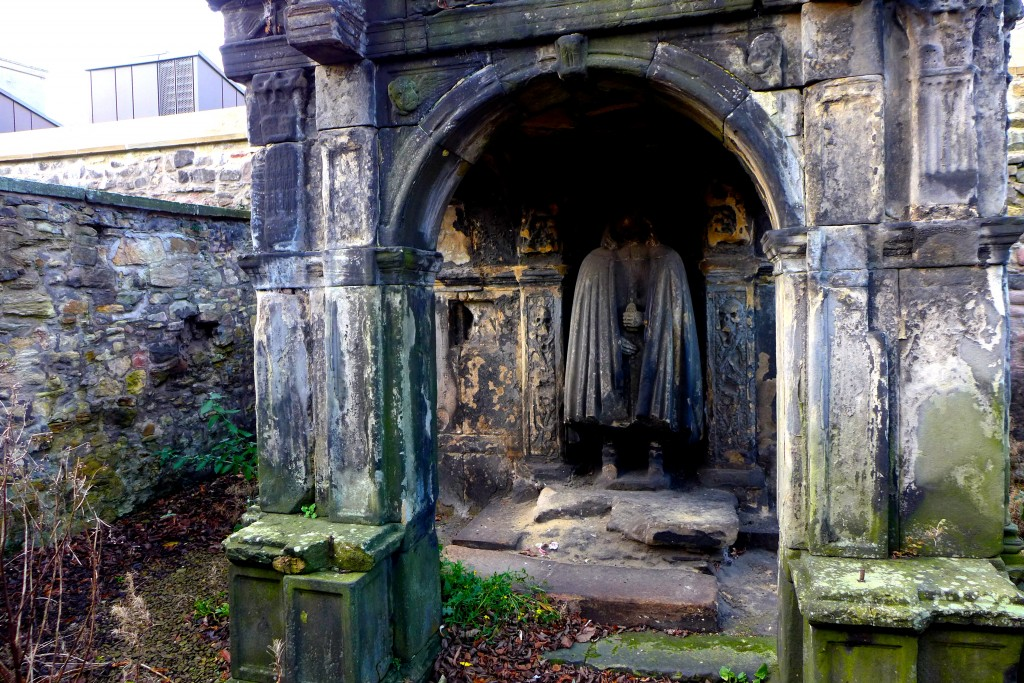 Tomb of John Bayne of Pitcairlie (17thC)
